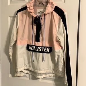 Sporty Hollister wind breaker! (Mesh inside)